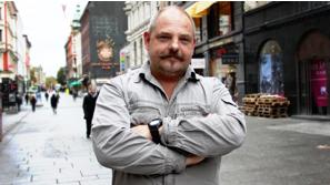 John Øyvind brenner for å løfte mennesker og organisasjoner til nye høyder.